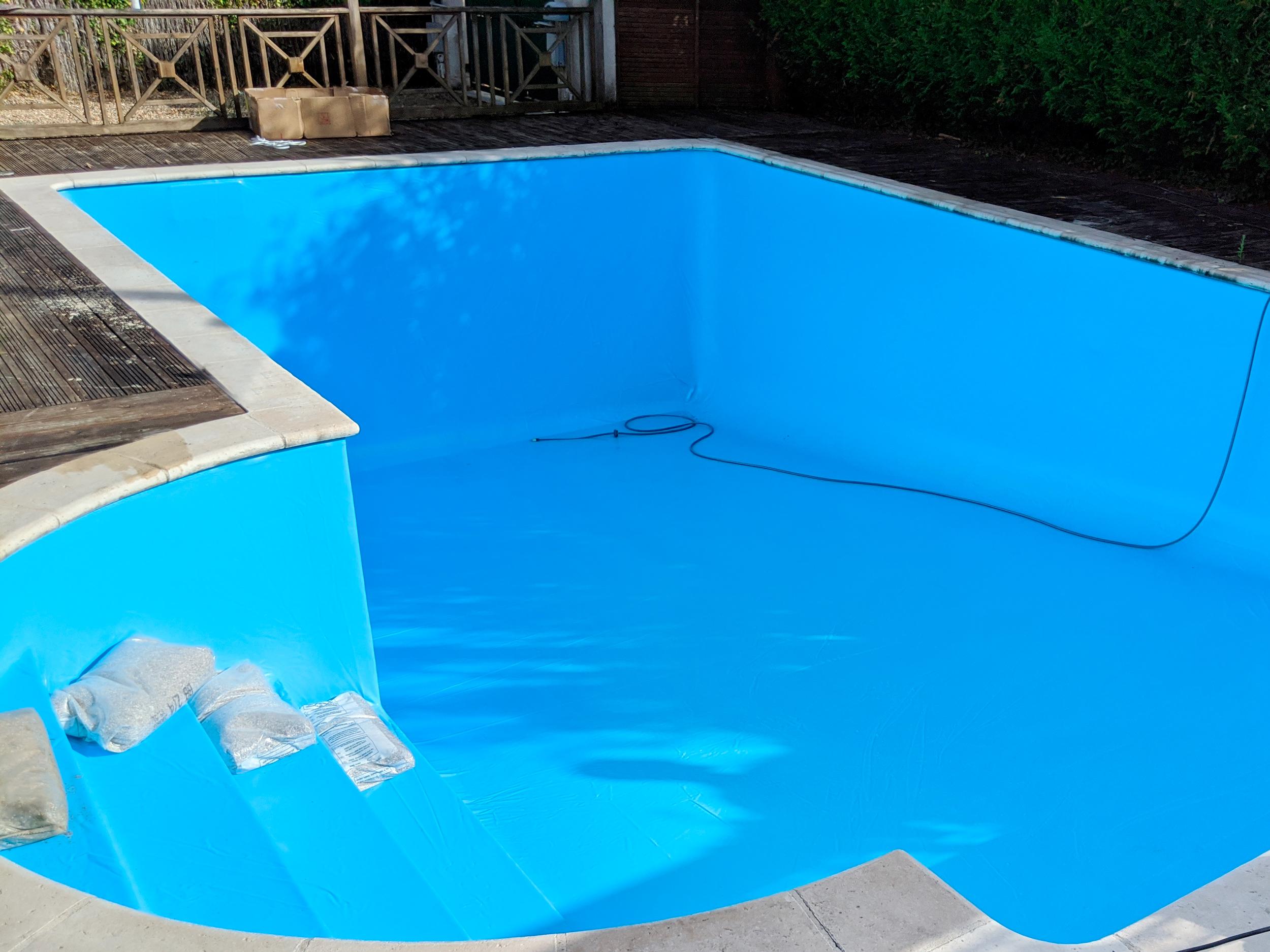Hydro Loisirs - Rénovation d'un liner de piscine